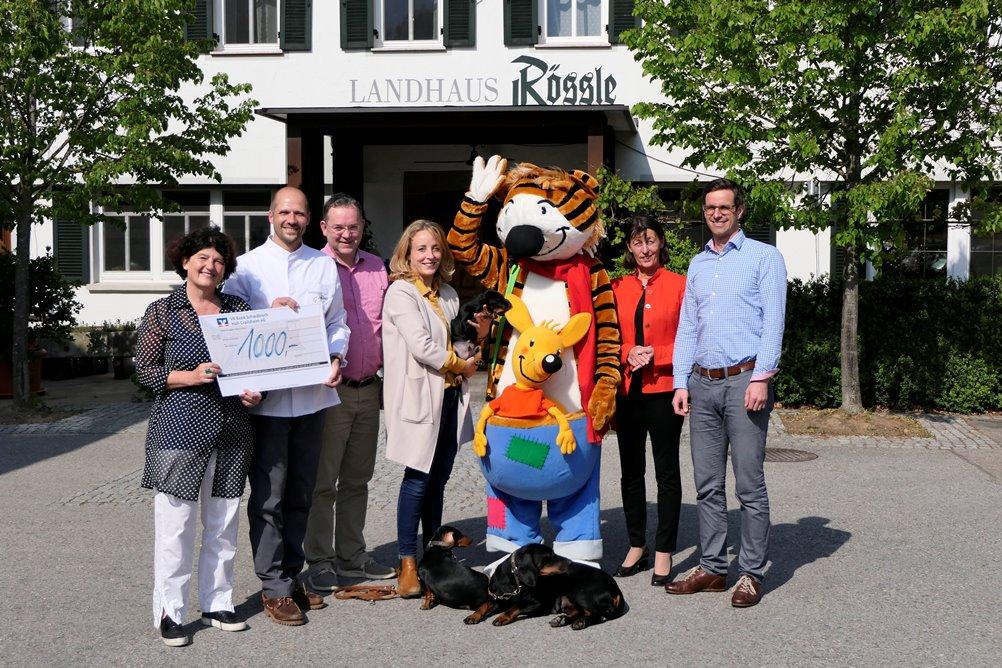 Landgasthaus Rössle in Veinau feiert Jubiläum mit Spenden an Förderverein