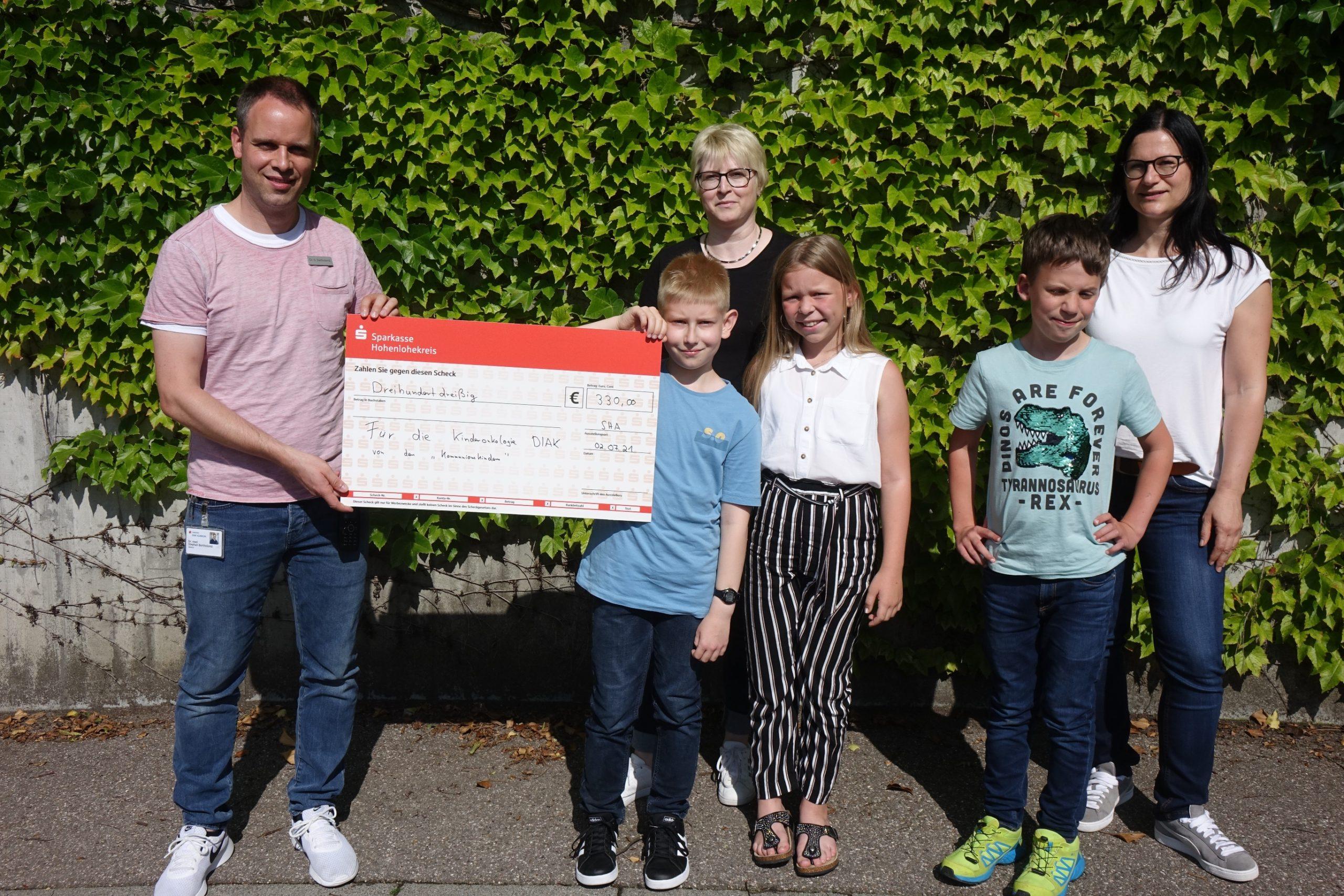 Kommunionkinder aus Schöntal-Bieringen spenden